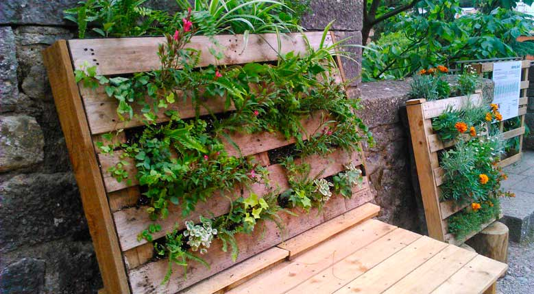 Jardin vertical con palet awesome jardin vertical con for Jardin vertical con palets