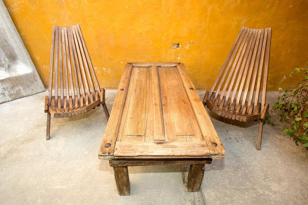 Mesa hecha de una puerta